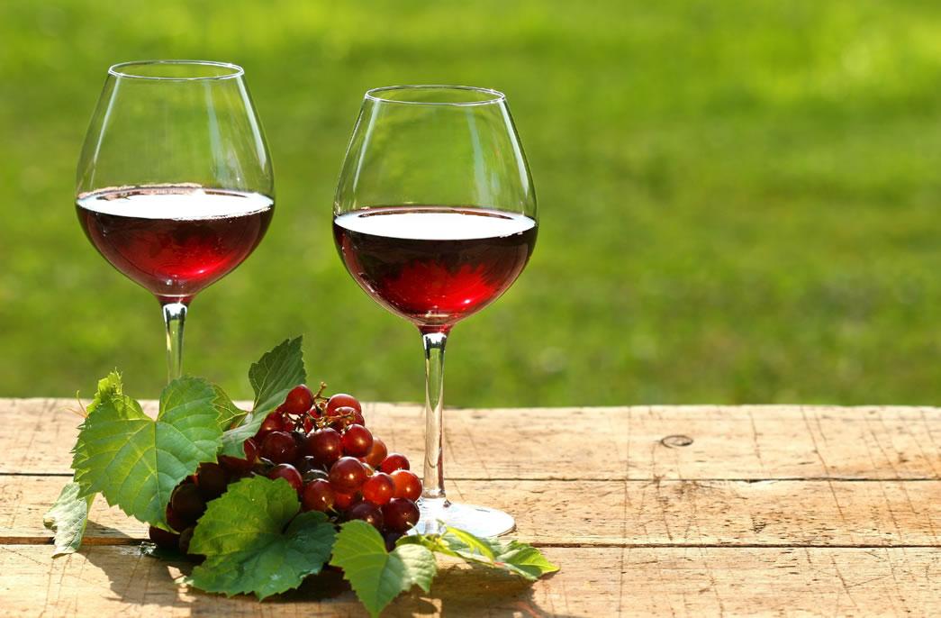 """Que tal colocar um saca-rolha na depressão com a deliciosa """"terapia do vinho""""?"""